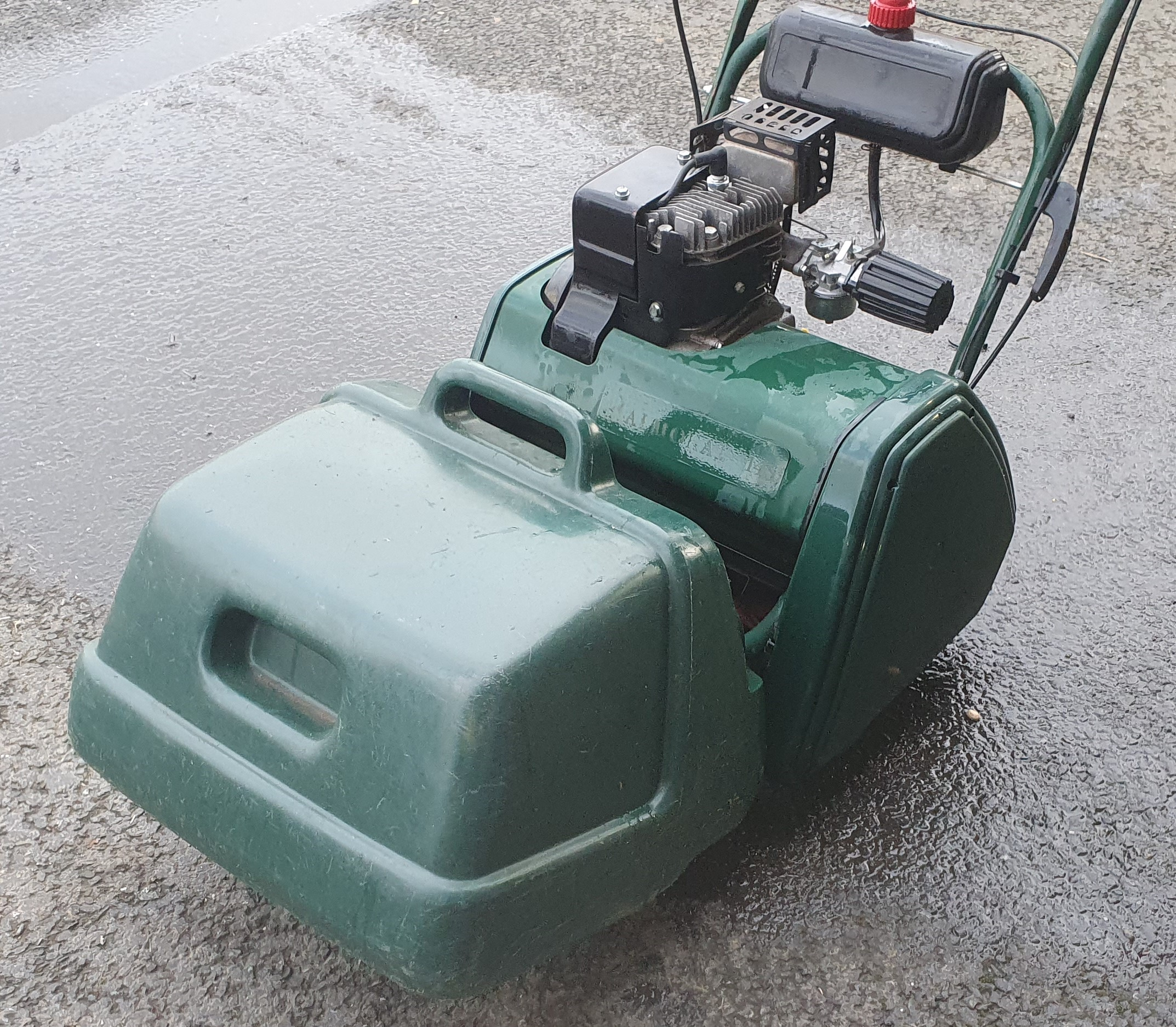 Used Atco Balmoral Self Propelled Cylinder Mower | Plymouth Garden Machinery